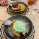 Ice Cream On Molten Lava Cookie
