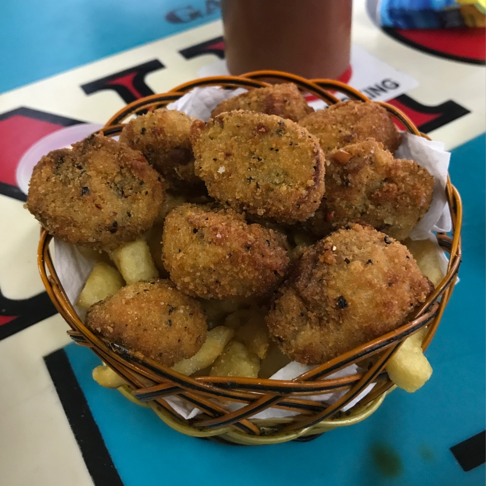 Deep Fried Mushrooms with Fries