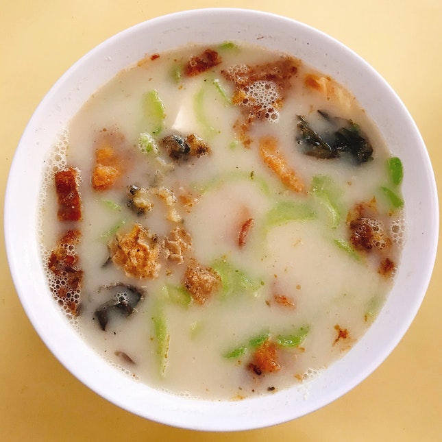 Fried Sliced Fish Bee Hoon Soup 炸鱼片米粉
