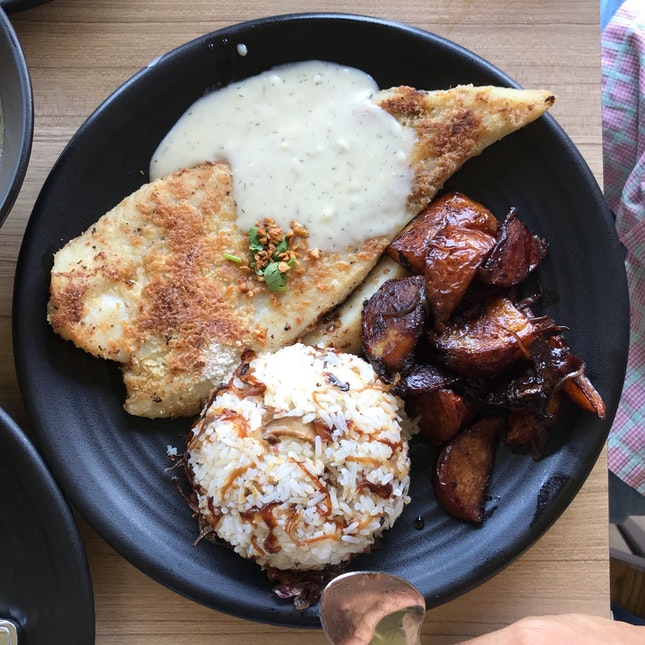 Grilled Catfish w/ Creamy Dill Sauce