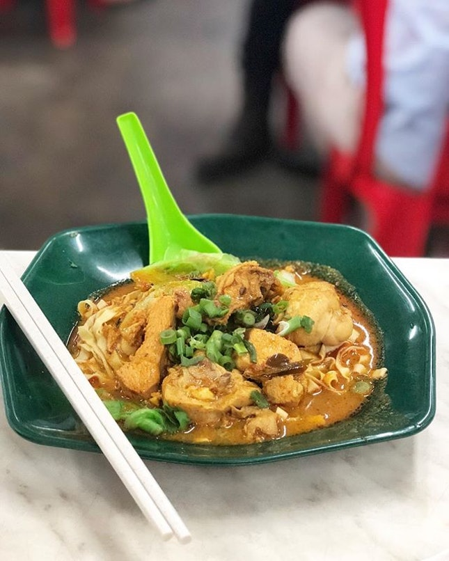 Curry chicken wanton mee, where the noodles are always al dente.