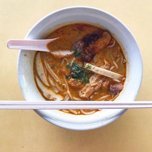 Laksa for brekkie since my fav fish soup stall was closed.