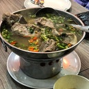 Spicy pork bone soup.