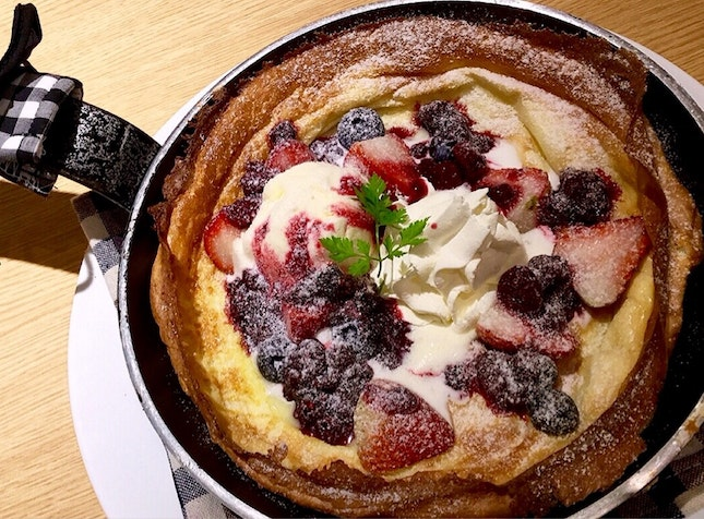 Mixed Berries Dutch Baby Pancake
