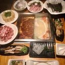 大妙鴛鴦鍋 (麻辣/豬骨湯)  ~$150