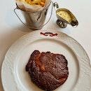 Steak Frites et Sauce Béarnaise  $48