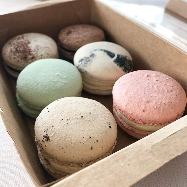 Box of 6 Macarons ($15)  Rose, earl grey, champagne, white grape, chocolate, and tiramisu.