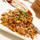 Happy Tuesday with this plate of yummy Stir-Fried XO Carrot Cake!