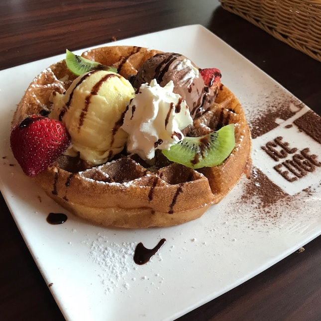 Waffles with MSW and Chocolate Gelato