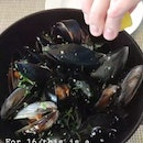 Big Bowl Of Mussels!