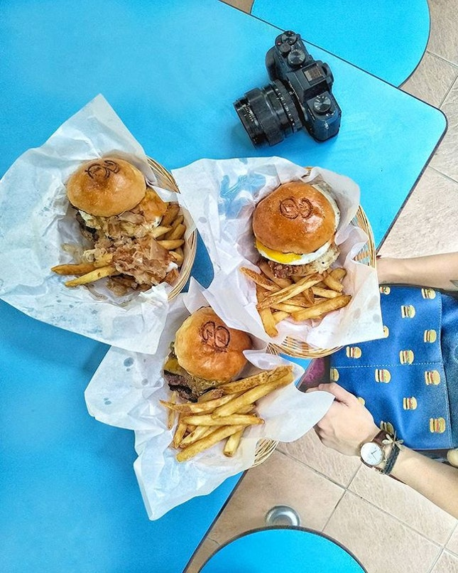 ~ HAPPY NATIONAL BURGER DAY MY LOVELY FOLKS ON @INSTAGRAM!