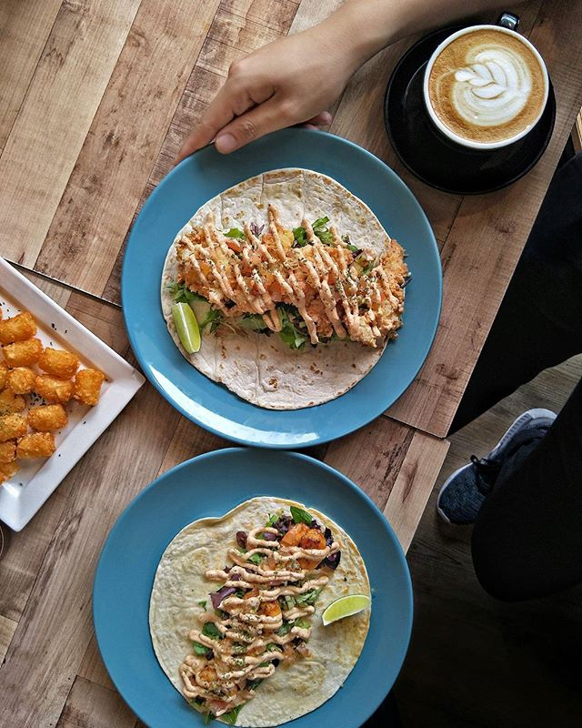 ~ Hola ~ Mexican inspired dishes like Grilled Prawns & Fish Goujons Tacos (both $12) are some of the interesting dishes found @CommonChefsCafe!