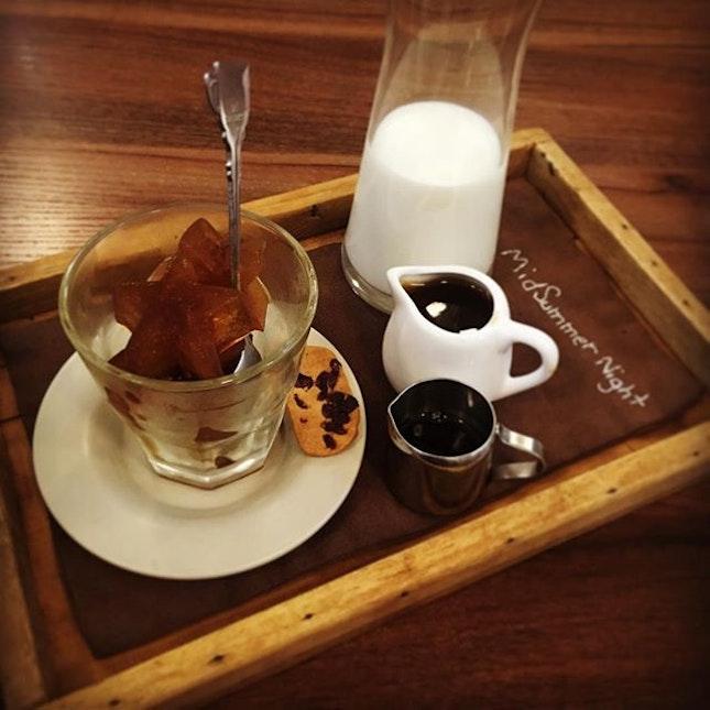#dream #coffee #milkcoffee #midsummernight #sweet #instacoffee #weekdays #goodcoffee #good #jalanjalancarimakan #jjcm #cuticutimalaysia2017 #oug #klangvalley #dinner #instadinner #smile #finally #enjoy #foodporn #burpple #burpplekl #burpplemalaysia