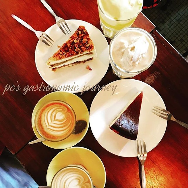 Love the coffee & cake combi at @rekindle_ss2 with my babes after k-session.