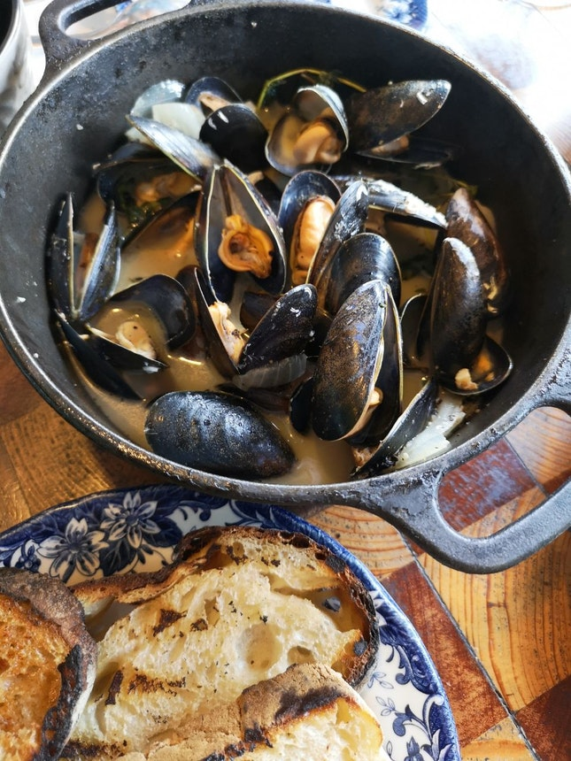 Scottish Blue Mussels in White Wine and Herbs ($34)