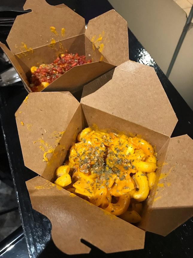 cheesy mac and cheese