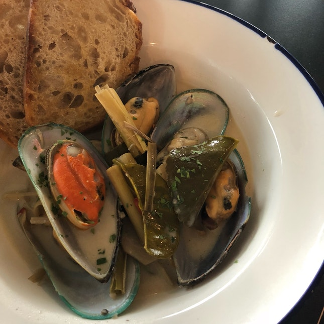 Mussels With Coconut Lemongrass & Ale - $17