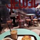 Caffeine 0verd0se 😂😂 American0 x Valencia 0range M0cha x Chicken Mushr00m Pie #1for1 with @entertainersg .