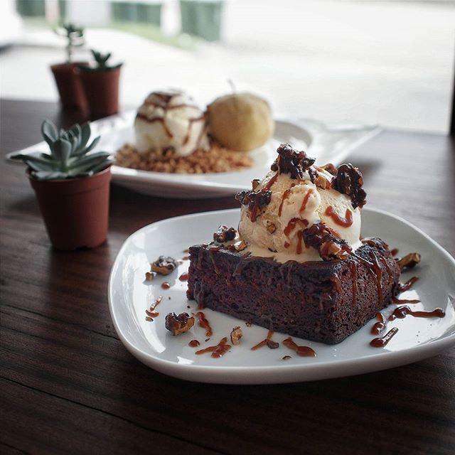 Juicy's Dessert Porn And Cakestagram