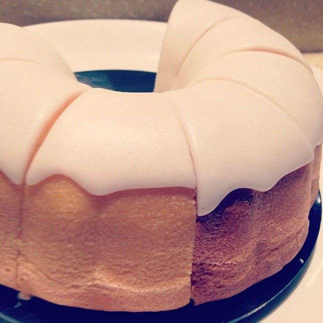 Lemon bundt cake...