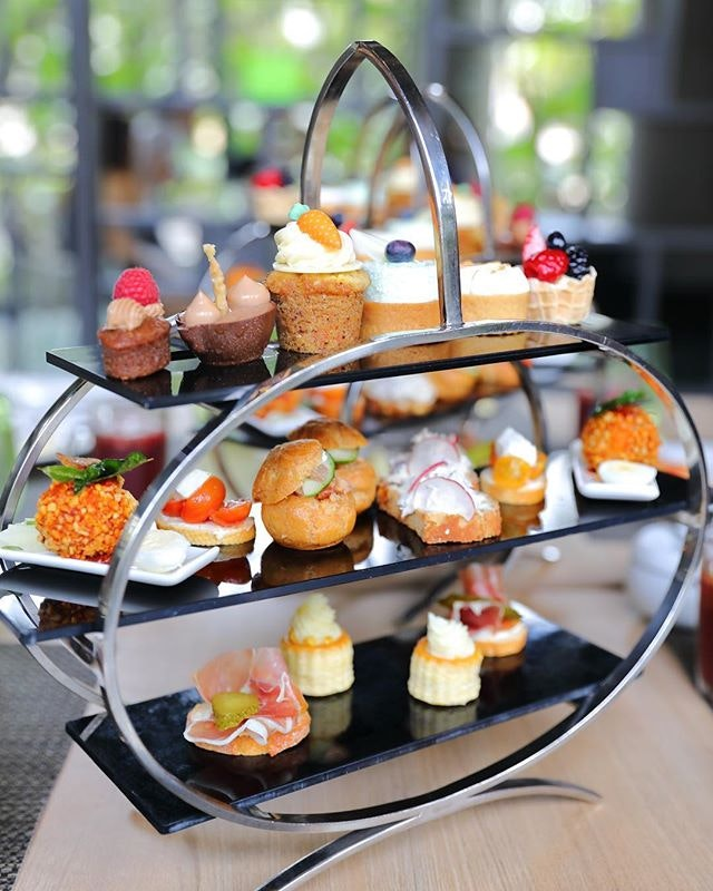 [Lime, PARKROYAL On Pickering] - The afternoon tea is available from 3pm to 6pm daily.