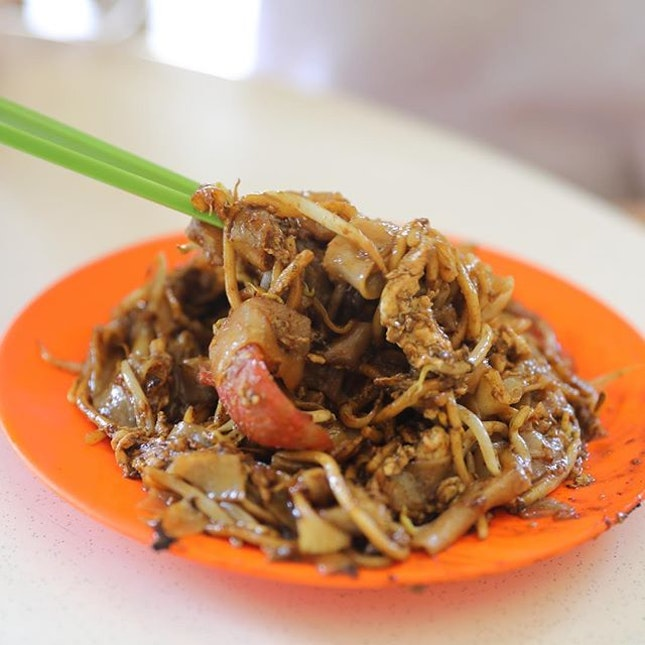 [Meng Kee Fried Kway Teow] - I am craving a good plate of char kway teow.