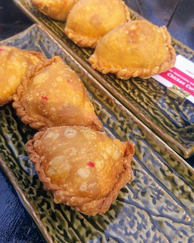 [Michelin Guide Street Food Festival] - Chicken & Sardine Curry Puff.