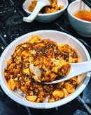 [Chen's Mapo Tofu] - Probably the best keep secret at @jewelchangiairport , hidden inside the Five Spice foodcourt basement 2 is this offshoot from 2 Michelin starred restaurant Shisen Hanten by Chef Chen Kentaro.