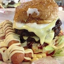 #beef #burger for #supper #yummy #fotd #foodie #foodgasm #foodporn #food  #potd #sausages #cheese #mayo #alhamdulillah #syukur