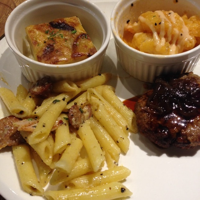 Potato Gratin, Sweet and Sour Fish, Teriyaki Hamburger and Chorizo Pasta