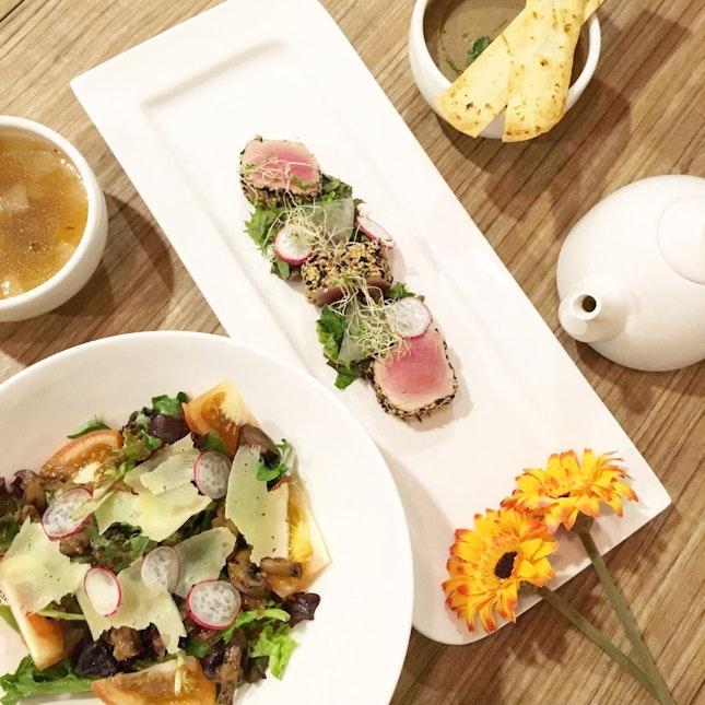 House Salad / Forest Mushroom Soup / Winter Melon Chicken Bouillon