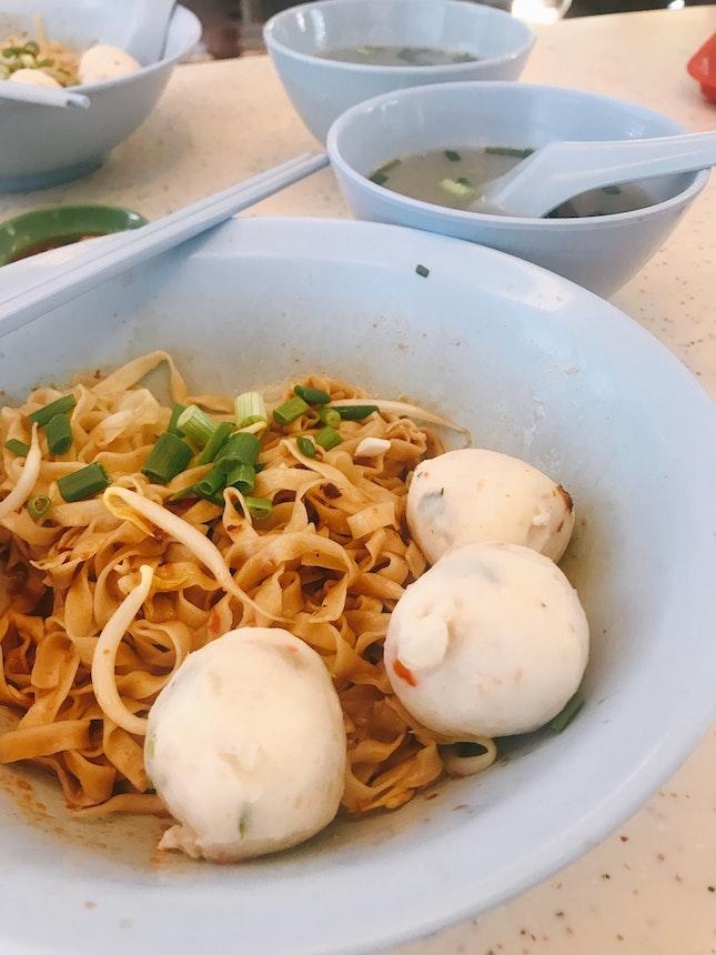 Handmade Fishball Meepok Dry ($3)