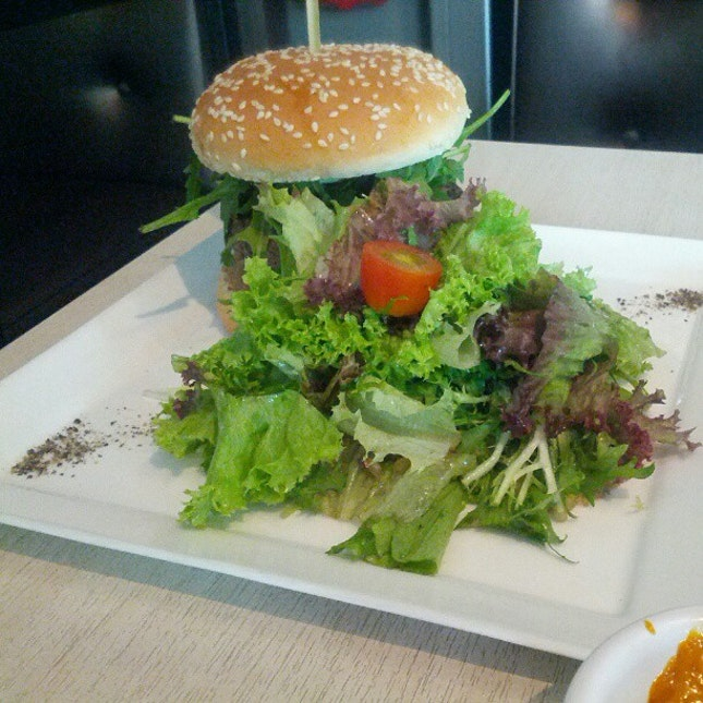 Blue cheese burger with william pear #foodspotting