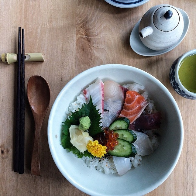 Chirashi Don (Lunch Set $38+)