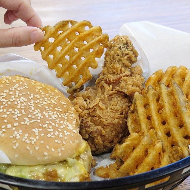 KFC Cheesy Romano Burger Set $8.20