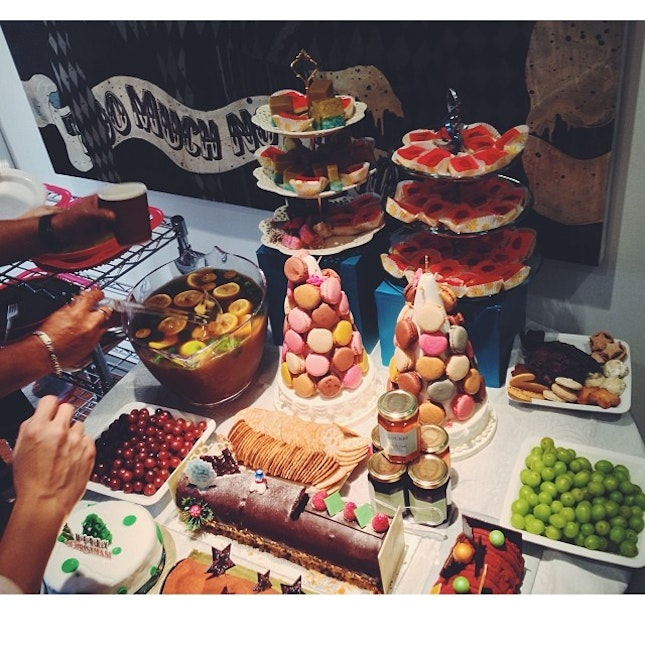 Pantry party #food #foodspotting #work #christmas #party #lunch #hungryhandsinaction #thehourglass