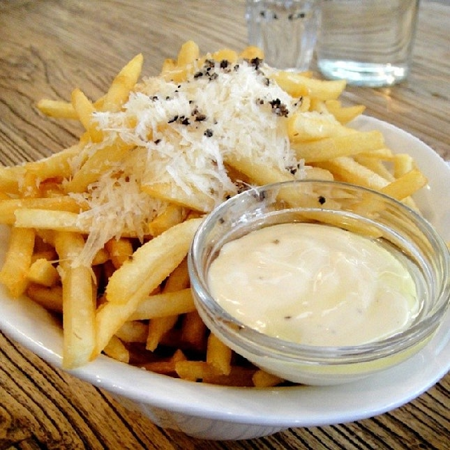The Truffle Fries is so addictive!