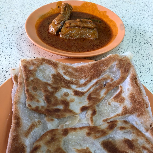 Plain Prata With Chicken Drumstick Curry
