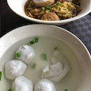 $3 Fishball Noodle With Fish Cake