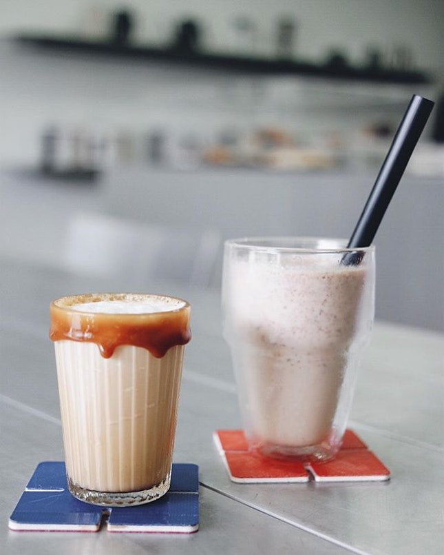 Clean Hands, White Shake ✋🏻 | #igfood #sgig #igsg #sgfood #feedfeed #instasg #yummy #nom #jj_forum #foodforfoodies #foodspotting #foodporn #foodie #instafood #foodgasm #food #foodcoma #cafehoppingsg #iphonesia #burpple #cafe #sgfoodies #sunday #thailand #bkk #caramel #handsandheart #igaddict #TravelfromSG #coffee