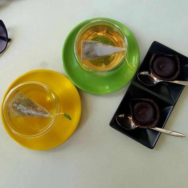 Salted Caramel Lava Cakes And Tea