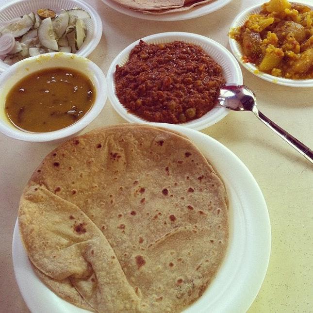Breakfast date..... #foodporn #foods #indians #singapore #littleindia