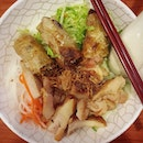 Grilled chicken + deep-fried spring roll + pickled vegetables + vermicelli.