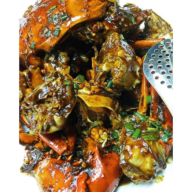 Try as I may, but it's just too difficult for me to stop raving about this crab dish.