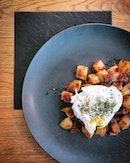 Corned beef hash + poached egg...I wanna eat this every day.
