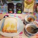 กาแฟ ขนมปัง ไข่ลวก breakfast easy easy #egg #toast #bread #farmhouse #royalbread #breakfast #athome #cookingathome #homemade #coffeehouse #coffee #coffeeaddict